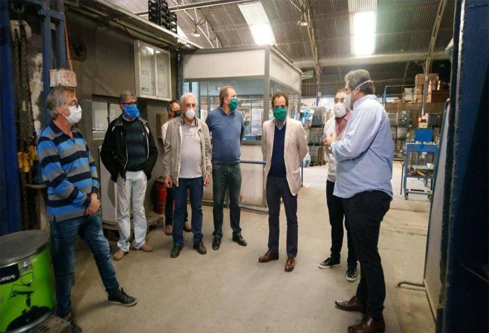 Con presencia de la CGT Río Cuarto, en Córdoba presentaron un respirador de fabricación local