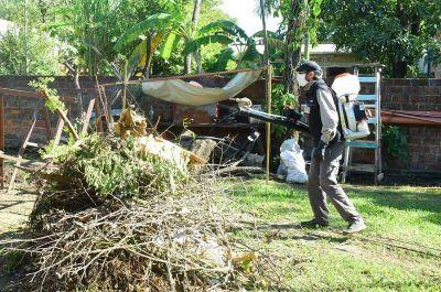Operativo de descacharrizado y fumigación en los barrios San Martín y Liborsi