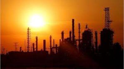 Petróleo: mientras se derrumba el precio mundial, buscan congelar las naftas hasta 2021 para salvar a provincias