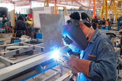 El gobierno prometió que el 80% de los trabajadores privados cobrará abril con ayuda estatal
