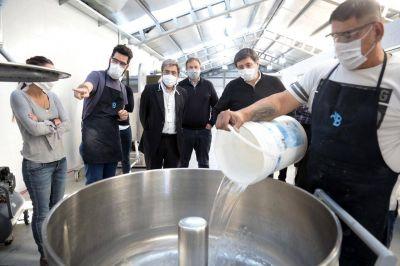 Con máquinas incautadas a los narcos, en Brown fabrican 1.600 kilos al día de pan supernutritivo