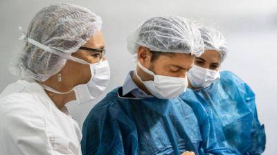 En plena pandemia, Axel Kicillof subió los sueldos de los trabajadores de la salud