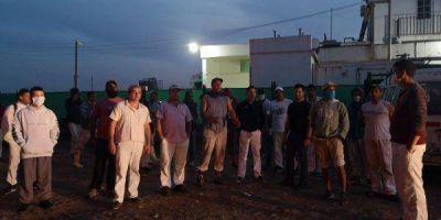 Despiden a seis empleados del Frigorífico Lobos y hay manifestaciones en contra del lugar