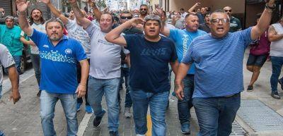 Moyano desmintió que vaya a aceptar recortes en los salarios de los camioneros