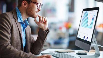Las empresas retrasan los aumentos de sueldo para los empleados fuera de convenio