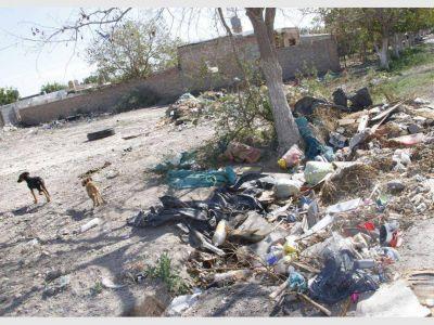 Tras los reiterados casos, Pocito multará a quien tire basura en espacios públicos