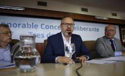 Valenzuela ajusta sueldos de municipales en Tres de Febrero