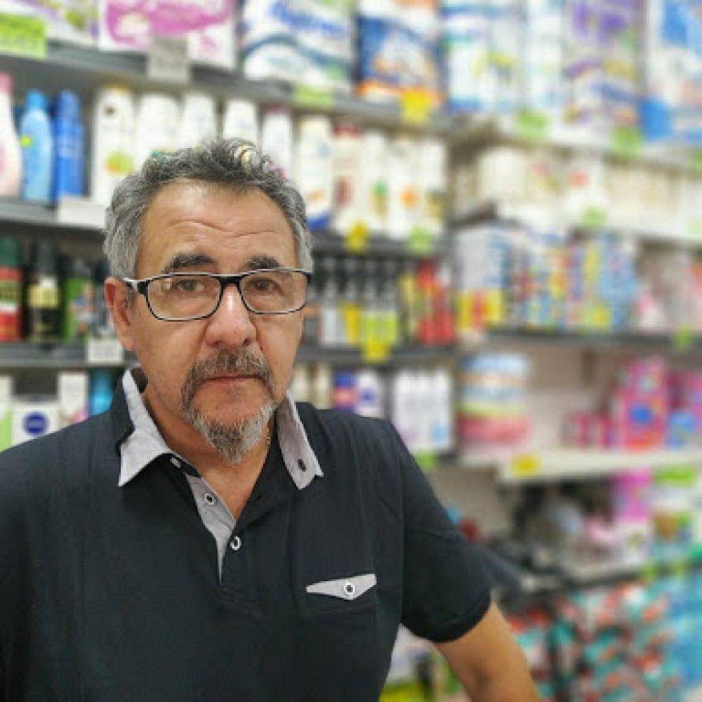 Almacenes de todo el país denuncian que la industria alimenticia remarca los precios