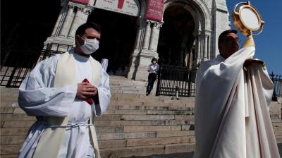 Polémica por campaña en las redes que pide la vuelta de las misas durante la cuarentena