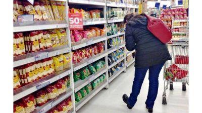 Efecto coronavirus: Cae el consumo masivo, pero comercios de barrio aplastan a los hipermercados
