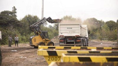 Retiraron 2400 toneladas de residuos en un basural de Córdoba