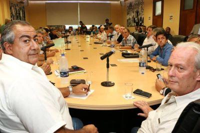 Coronavirus en la Argentina: las dos CTA y la Izquierda rechazaron el acuerdo de la CGT y la UIA para rebajar salarios