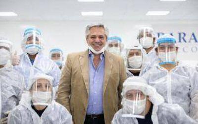 San Martín: En el día del Trabajo, el presidente visitó una empresa de autopartes que hoy fabrica barbijos y cofias