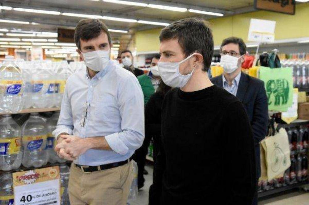 Lucas Ghi y Augusto Costa recorrieron una fábrica textil y comercios en Morón