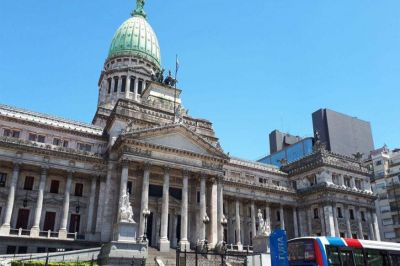 Gremios legislativos celebraron el bono y acusaron de demagogos a los bloques de Juntos por el Cambio