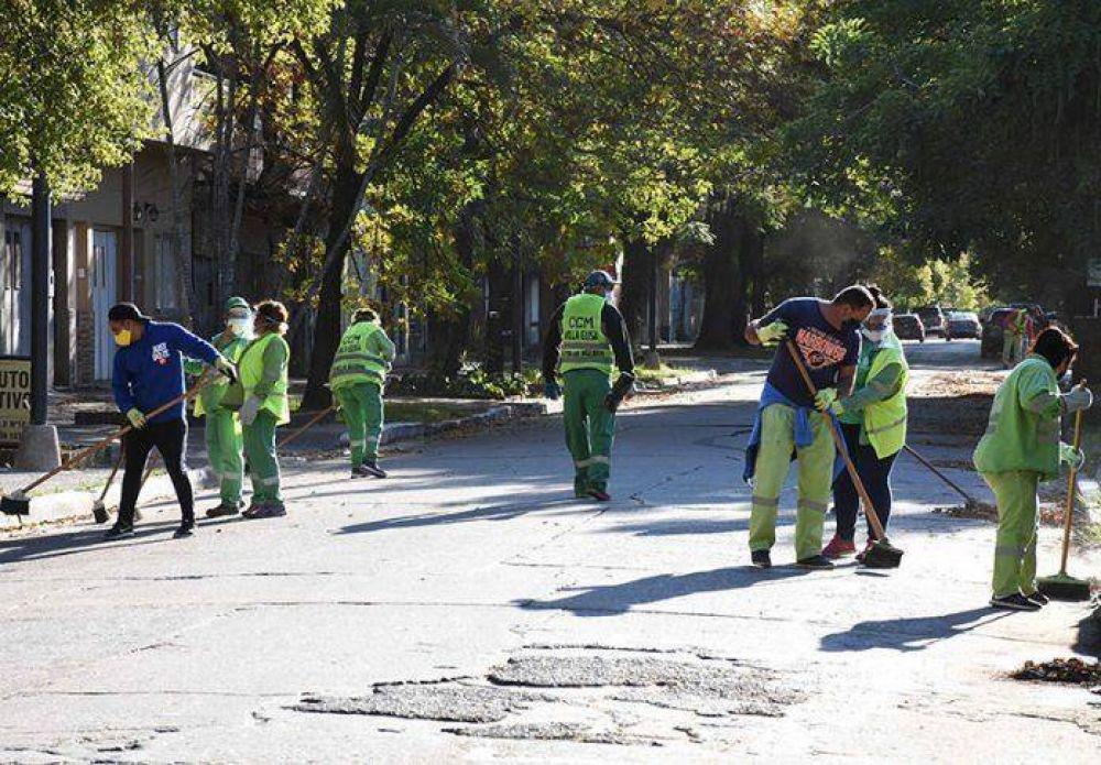 El Municipio realizó un masivo operativo de limpieza en el macro y micro centro