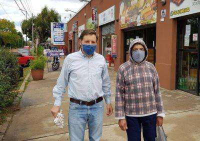 Méndez con vecinos y comerciantes, contra la pandemia