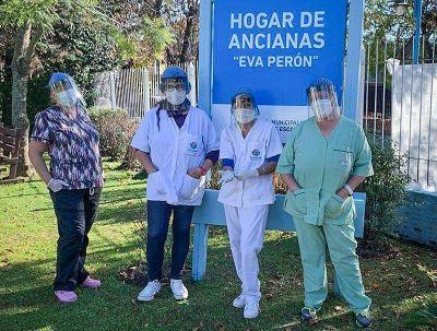 El personal del Hogar Municipal Eva Perón cumple la cuarentena junto a las abuelas