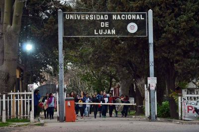 Docentes de la UNLu inician un paro de 48 horas
