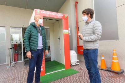 Juan Andreotti presentó la nueva cabina sanitizante del Hospital Municipal de San Fernando