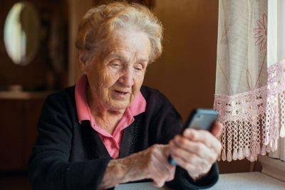 """Más de mil voluntarios en el programa """"Soy Parte"""" para adultos mayores"""