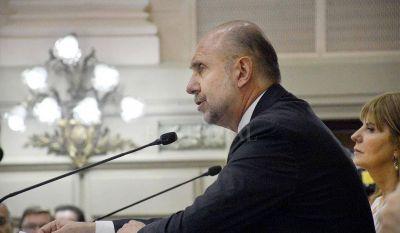 Perotti avisó que las paritarias de los estatales