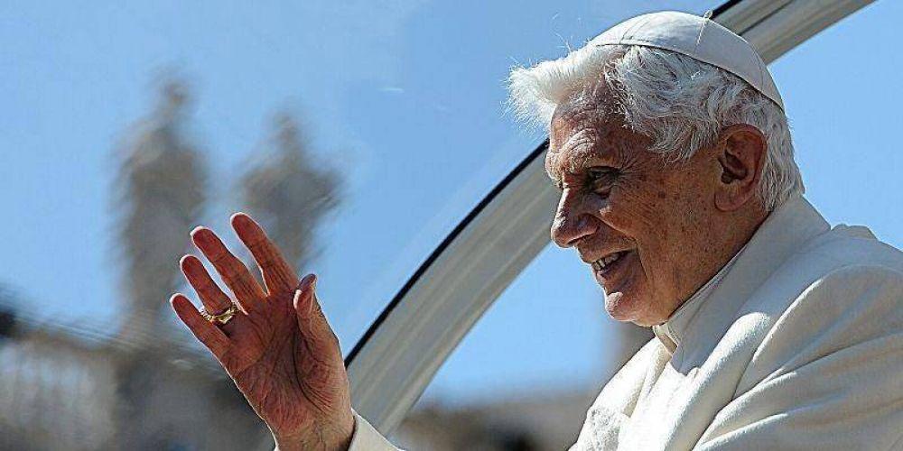 Benedicto XVI: «La sociedad moderna está formulando un credo anticristiano»