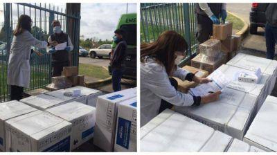 Provincia entrega respiradores e insumos a Hospital de Merlo