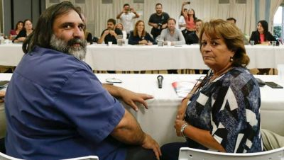 Maestros piden reducción de horarios y turnos alternados para la vuelta a clases