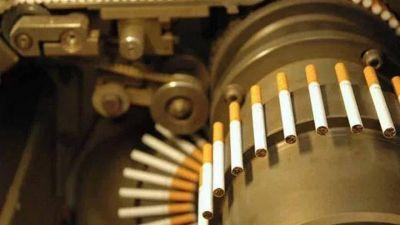 Cigarrillos: el fabricante de Marlboro inició sus máquinas y otros esperan permisos para producir