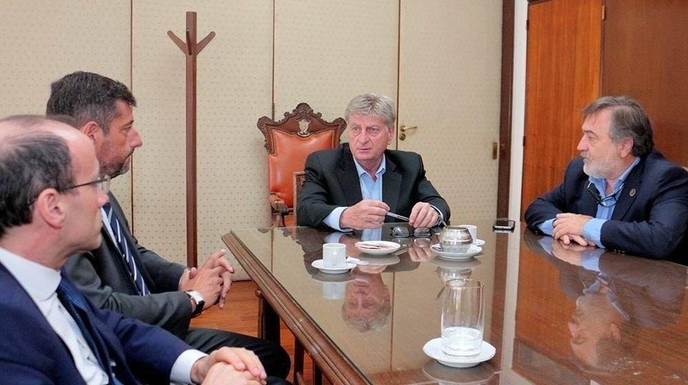 La Pampa posterga aumentos salariales a estatales por la pandemia
