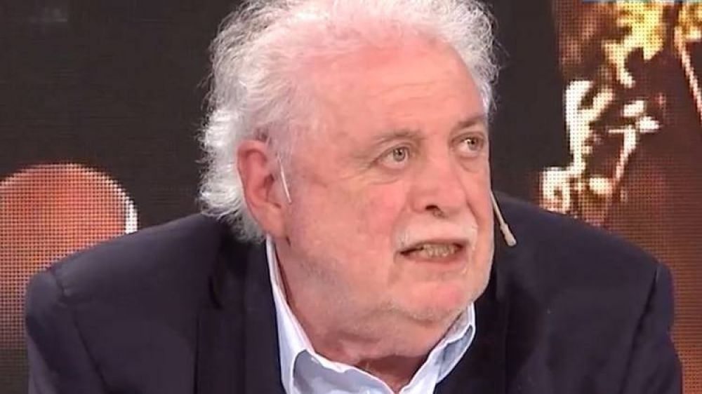 """Ginés González García: """"El incremento de casos tiene que ver con que el virus entró en barriadas humildes"""""""