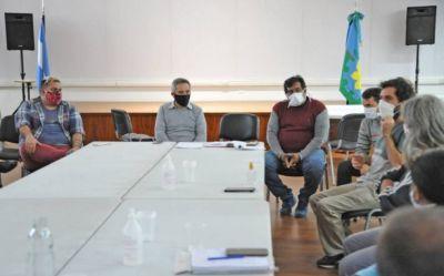 Larroque recibió a los movimientos sociales de izquierda y puso en marcha una mesa de diálogo