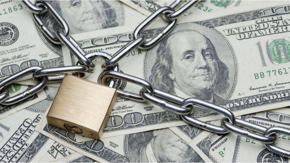Vuela el dólar blue y la brecha con el oficial ya supera el 100%