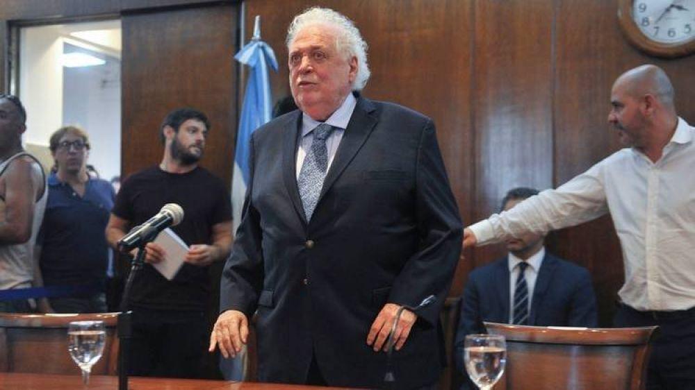 """Ginés González García: """"Sabemos que ya hay pruebas de una vacuna y pediremos a la OMS que sea para todos"""""""