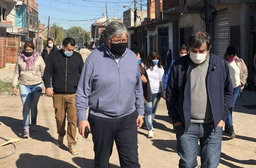 Fernando Moreira visitó los espacios comunitarios del barrio Costa Esperanza