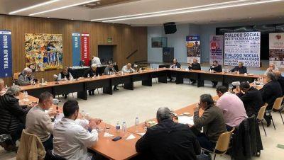 Los miembros de la conducción de la CGT compartieron su preocupación por la crisis económica y reclamaron más ayuda del Gobierno