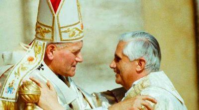 Benedicto XVI escribe carta por 100 años del nacimiento de San Juan Pablo II