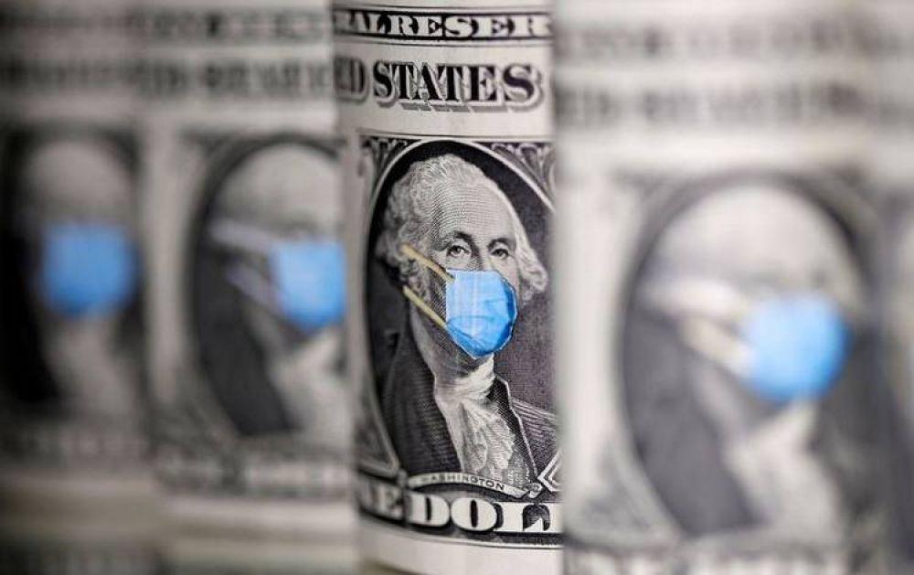 Dólar blue: por qué aumenta, cómo impacta su disparada para la economía y qué planea el Gobierno para que no valga el doble que la cotización oficial