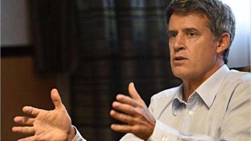 Prat-Gay se defendió de la crítica de Alberto y volvió a pedir
