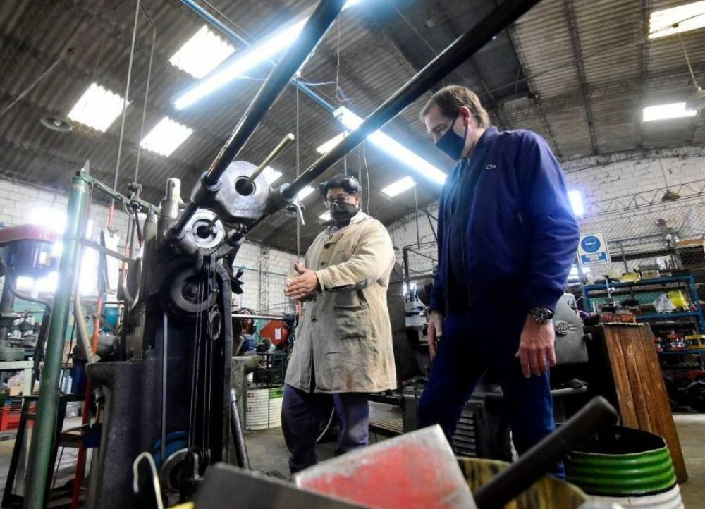 La Plata: autorizan a seis nuevas industrias y al sector florícola a retomar su actividad