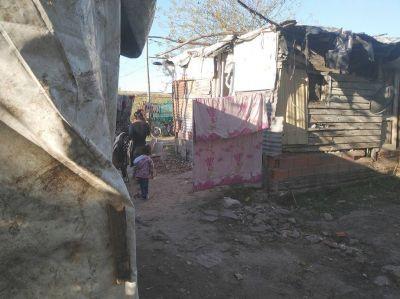 La otra pandemia: pobreza y déficit habitacional