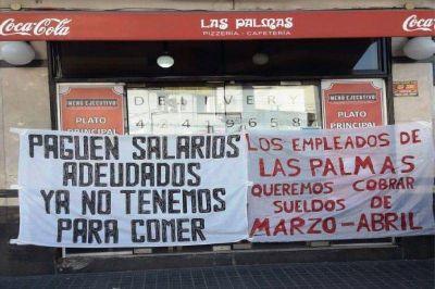 """Luego de una semana de reclamo, trabajadores de la histórica pizzería """"Las Palmas"""" de Lanús consiguieron el pago de sus sueldos"""