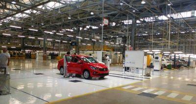 Con estrictos protocolos, hoy retoman la producción las automotrices