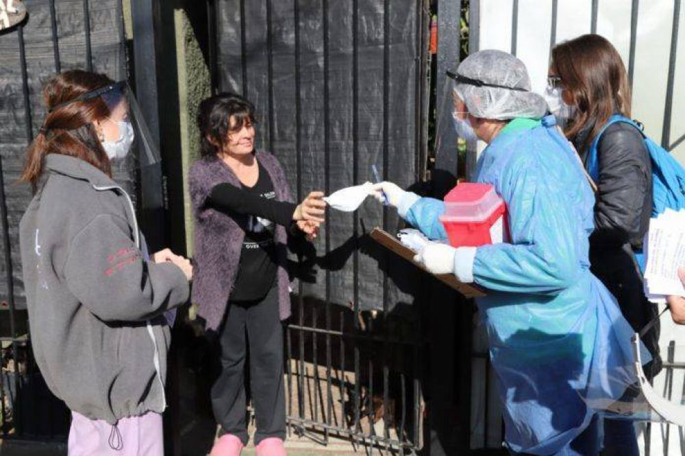 "Coronavirus: finalizaron tres días del operativo ""Casa por casa"" en Monte Chingolo"