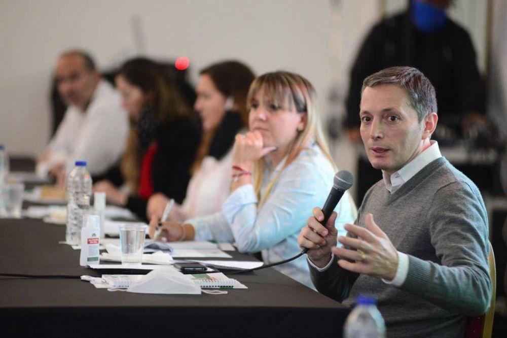 Fernando Gray encabezó reunión con secretarios de gobierno