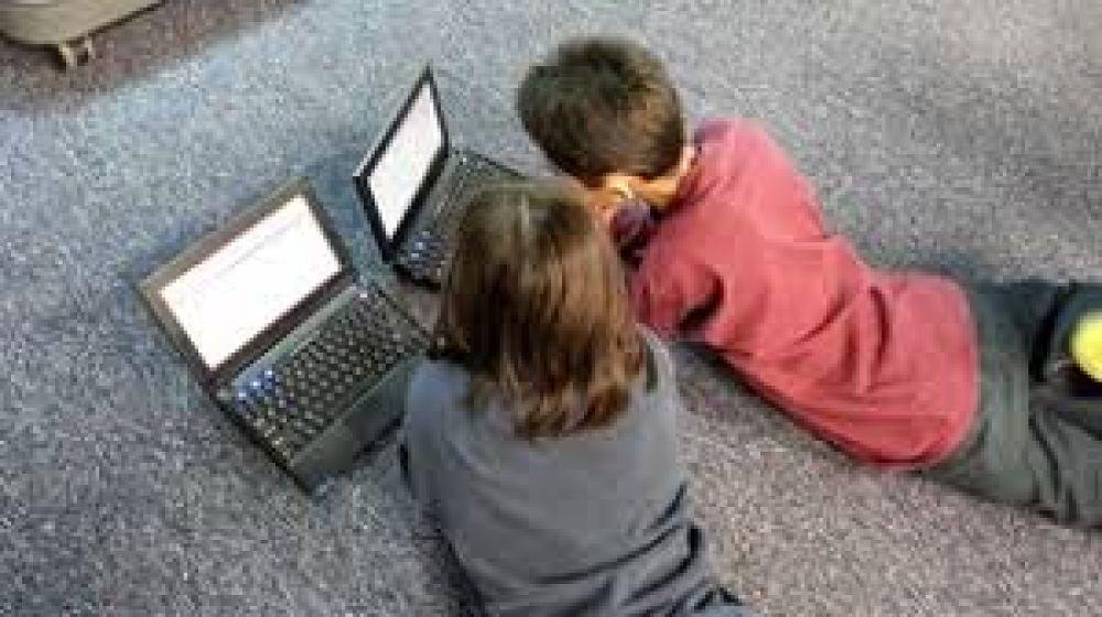 Internet gratis a alumnos y docentes: el proyecto del peronismo en la Ciudad para mejorar las clases virtuales