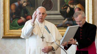 """Papa Francisco: """"El simple hecho de existir abre el corazón del hombre a la oración"""""""