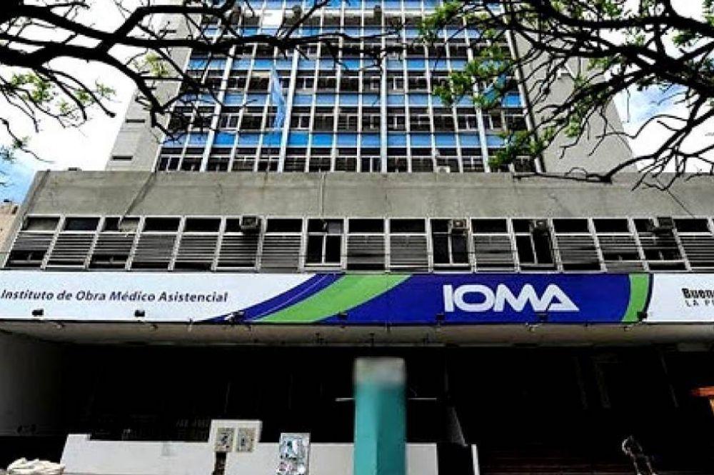 Prestadores de IOMA marchan a Gobernación por retrasos en pagos de hasta seis meses