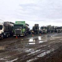 Camioneros paralizó la actividad petrolera en Neuquén por salarios adeudados